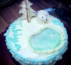 18th birthday arctic cake with biscuit models #baking