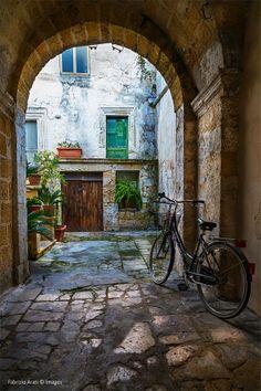 Come here, let's go home now ... by Fabrizio Arati , Lecce Scorrano Puglia