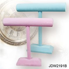 Deluxe Velvet T-Bar Displays in Pink and Blue www.nilecorp.com