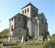 Chevet et transept Nord de l'église Romane du Chalard
