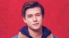 COMING OUT: Wenn 'schwul' leider nicht normal ist... Nick Robinson im ersten Trailer! Jeder verdient eine große Liebesgeschichte. Aber für den 17-jährigen Simon Spier ist es etwas komplizierter: Er muss Familie und Freunden noch erzählen, dass er schwul ist, und kennt nicht einmal die Identität des Klassenkameraden... >>> https://www.film.tv/go/38901-pi #NickRobinson #LoveSimon #MilesHeizer