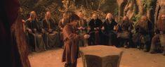 in rivendell besluit men dat de ring moet vernietigd worden door hem in morder in de doem berg te gooien. frodo biedt aan om dit te doen.