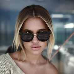 7ed7fb8752  QUAYAUSTRALIA  QUAYSQUAD These QUAY AUSTRALIA ODIN sleek sunnies feature  matte plastic frames with a