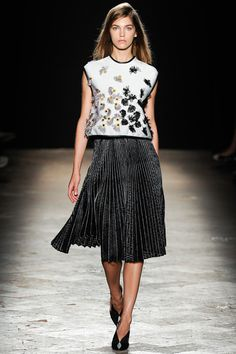 Marco de Vincenzo Spring 2014 Ready-to-Wear Collection Slideshow on Style.com
