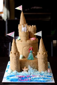 Little mermaid/sand castle cake