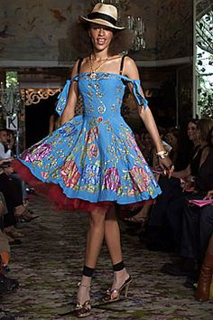 Betsey Johnson Spring 2002 Ready-to-Wear Fashion Show: Complete Collection - Style.com