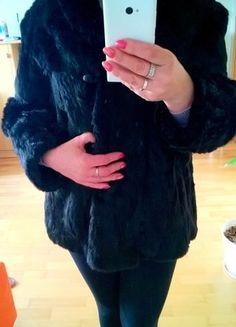 Kup mój przedmiot na #vintedpl http://www.vinted.pl/damska-odziez/okrycia-wierzchnie-inne/16444191-czarne-naturalne-futerko-z-krolika-38-40-42-sliczne-milutkie