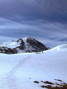 RUTAS EN ASTURIAS: En Picos de Europa con raquetas de nieve.