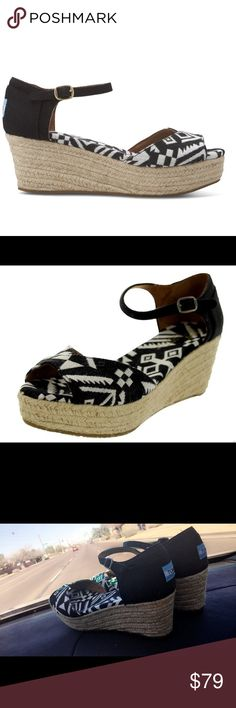 """Toms Women Platform Wedges black Woven $160 TOMS - Platform Wedges - Woven Vegan Sandals IN-STORE ONLY! Shop our New Jersey locations in Millburn, Deal and Englewood for TOMS Shoes. With every pair you purchase, TOMS will give a pair of new shoes to a child in need. One for One.™ Comment for more information. Woven upper and liner Cushioned insole Rubber sole 2 1/2"""" rope wrapped wedge heel Excellent condition maybe worn briefly no signs of actual wear - no box no dust bag Toms Shoes…"""