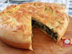 Pizza di scarola - Antonino Cannavacciuolo: Per l'impasto della pizza all'olio sciogliere il lievito di birra in un pochino di acqua tiepida (la temperatura giusta dell'acqua deve osci