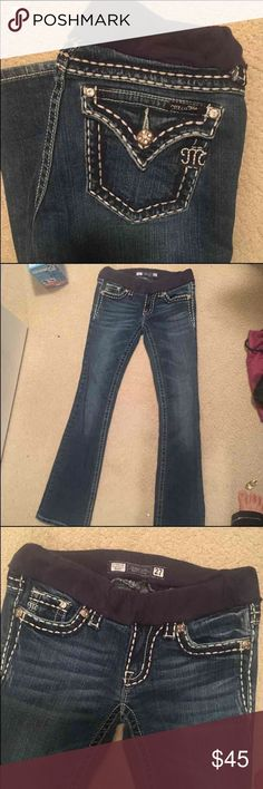 Miss me maternity jeans Good condition stitching is coming out it was restiched however came undone a little it can be stitched again in just not handy with a needle these say size 27 but I would say they would fit someone between a 24/25 I bought these from another sale site and just want my money back Miss Me Jeans Boot Cut