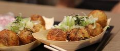 takoyaki in Osaka Japan Takoyaki, Tempura, Japanese Dishes, Japanese Food, Osaka Food, Food Japan, Tokyo Food, Maki Roll, Kobe Beef