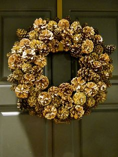 how to make a pinecone wreath video