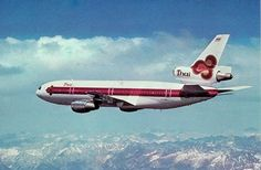 Thai Intrnational Douglas DC-10 postcard