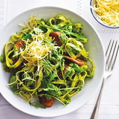 Recept - Verse pasta met sugarsnaps en vegaworst - Allerhande
