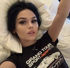 Image uploaded by 🖤 𝐸𝓂𝒾𝓁𝓎 🖤. Find images and videos about girl, fashion and beautiful on We Heart It - the app to get lost in what you love. Maggie Lindemann, Cute Makeup, Makeup Looks, Hair Makeup, Insta Photo Ideas, Tumblr Girls, Aesthetic Girl, Girl Photography, Dark Hair
