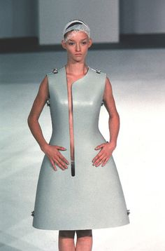 "Hussein Chalayan SS '99: ""Named British Designer of the Year twice (in 1999 & 2000) & awarded an MBE for contributions to fashion in 2006, Chalayan became well-known for taking his inspirations from ideas that are not usually associated with fashion, such as exile, alienation, power & powerlessness, nomadism, cultural displacement, transformation, individuality."" [Pin by Heidi Tunberg]"