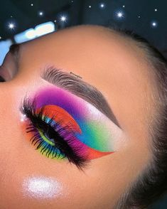 Read information on eye makeup hacks Makeup Eye Looks, Eye Makeup Art, Colorful Eye Makeup, Beautiful Eye Makeup, Cute Makeup, Makeup Inspo, Eyeshadow Makeup, Makeup Hacks, Glitter Carnaval