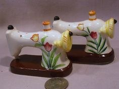 Vintage Sewing Machines w Flowers s P Shakers