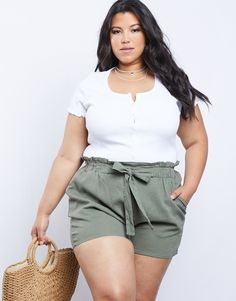 Plus Size Button Front Tee - Simple Trendy T-Shirt - Plus Size Basics – Thick Girls Outfits, Curvy Girl Outfits, Trendy Summer Outfits, Curvy Girl Fashion, Plus Size Outfits, Edgy Outfits, Fashion Outfits, Beach Outfits Women Plus Size, Chubby Fashion