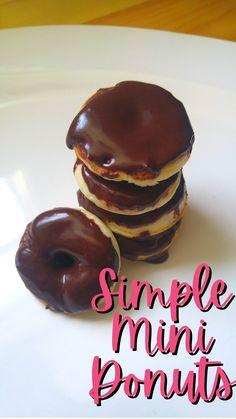 Mini Donut Recipes, Mini Desserts, Baking Recipes, Dessert Recipes, Yummy Treats, Yummy Food, Eclair Recipe, Donut Maker, Mini Donuts