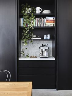 Nexus Designs in collaboration with EMArchitects transform a Victorian terrace house in an inner-city Melbourne suburb. Natural Home Decor, Unique Home Decor, Cheap Home Decor, Black Floorboards, Architecture Classique, Interior Fit Out, Interior Modern, Interior Design, Interior Paint