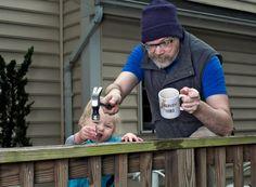 Vater werden ist nicht schwer, Vater sein dagegen sehr. Das ist der Leitspruch von Millionen von Vätern da…
