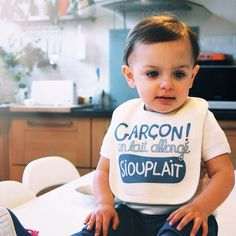 Un bib siouplait ! Monsieur Tshirt, Book Instagram, T Shirt, Baby Burp Rags, Bebe, Supreme T Shirt, Tee Shirt, Tee