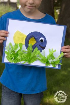 The Finding Dory Cupcake Liner Craft shared below is perfect for kids who just can't get enough of those cute little blue and orange fish.