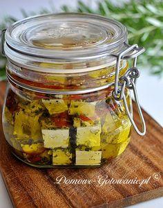Ser feta w oliwie można oczywiście kupić w sklepie, ale po pierwsze jest dość drogi, po drugie można go łatwo...