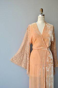 Your place to buy and sell all things handmade Vintage Gowns, Vintage Lingerie, Vintage Outfits, Retro Fashion, Vintage Fashion, Womens Fashion, Ropa Interior Vintage, Peignoir, Dresses Australia