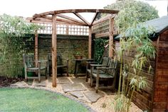 Pergola, paving, landscaping and paradise! Though age-old throughout idea, the particular pergola is enduring a Pergola Patio, Corner Pergola, Deck With Pergola, Pergola Shade, Backyard Patio, Backyard Landscaping, Modern Pergola, Corner Landscaping, Garden Gazebo