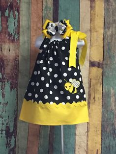 Girls Bee Dress Pillowcase Dress Polka dot by CuteCoutureByShelley Outfits Niños, Modest Outfits, Kids Outfits, Toddler Dress, Baby Dress, Dot Dress, Little Girl Fashion, Kids Fashion, Sewing Clothes