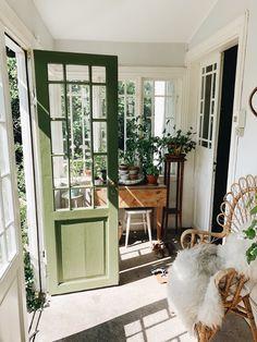 Deck Update Ideas, Home Interior, Interior Decorating, Interior Design, Small Sunroom, Nordic Home, Swedish House, House Goals, Patio