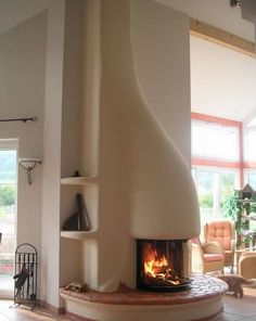 Fireplace design with free-form adobe like built-in Lehmundfeuer, Germany … Adobe Fireplace, Fireplace Design, Adobe Haus, Earthship Home, Natural Homes, Natural Building, Green Building, Earth Homes, Sustainable Living