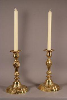 Paire de flambeaux, époque Louis XV, bronze doré