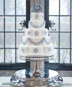 Soft grey wedding cake