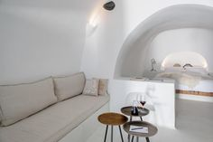 Where to stay in Santorini? 10 most amazing hotels for your next holiday! Hotels In Santorini Greece, Santorini House, Amazing Hotels, Best Hotels, Dana Villas, Best Greek Islands, Spa Weekend, Next Holiday, Romantic Getaway
