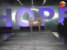 Gisele Bündchen desfila linha própria de lingerie - TV UOL