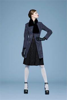Sfilate Yves Saint Laurent Pre-collezioni Autunno-Inverno 10-11 - Sfilate Parigi - Moda Donna - Style.it