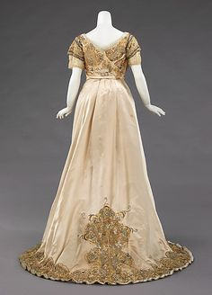 Dress (Ball Gown)  House of Worth  (French, 1858–1956)    Designer:      Jean-Philippe Worth (French, 1856–1926)  Date:      1896–1900