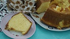 Bolo de liquidificador fofinho Sweet Recipes, Cake Recipes, Pasta, Cake Cookies, Cornbread, Coco, Delicious Desserts, Biscuits, French Toast