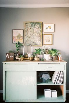 Here's a superb collection of inspiring ways to display terrariums, florals & bright cacti. Want an interesting terrarium? Fetch o...