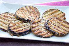 Weer een heerlijk gerecht van Jamie Oliver: gegrilde aubergine met tahin. Een tijdje geleden maakte ik al een heerlijk toetje van Jamie, gebakken perziken met frambozen en ik heb nog meer van hem gemaakt (een aantal recepten staan op de site): altijd een succes. Dit keer maakte ik een bijgerecht en wat was het weerRead More