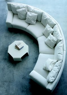 Elegant Curved Sofa Design and Pictures 2 - Awesome Indoor & Outdoor Living Room Sofa Design, Living Room Interior, Home Interior Design, Living Room Furniture, Couch Design, Gebogenes Sofa, Couches, Curved Couch, Plush Couch
