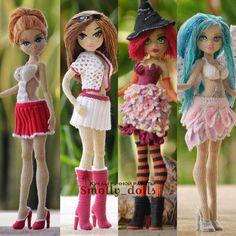 Monster High School, Crochet Dolls Free Patterns, Crochet Doll Dress, Doll Clothes, Harajuku, Amigurumi Doll, Beret, Tejidos, Baby Dolls