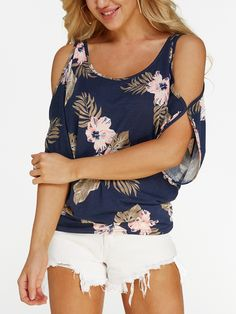 Navy Random Floral Print Cold Shoulder Tie-up at Back TshirtsThe Scoop Neck Cold Shoulder Tie-up at Back Tee is a great Featuring a scoop neckline, relax styled t- shirt with tie-up back, frill at side detailing and cold shoulder short sleeves. Fast Fashion, Latest Fashion For Women, Boho Fashion, Fashion Outfits, Womens Fashion, Fashion Design, Look Con Short, Stylish Coat, Sexy Blouse