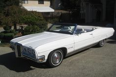 1970 Pontiac Bonneville Convertible Pontiac Bonneville, Barrett Jackson Auction, Hot Rides, Staging, Convertible, Antique Cars, Classic Cars, Automobile, Bike