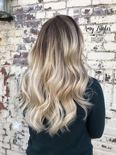 Platinum neutral blonde balayage ombre smudge root by@askforamy