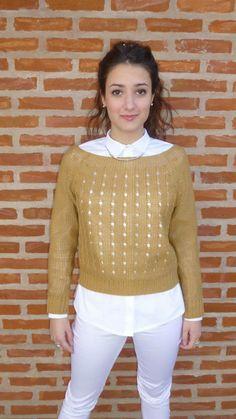 Outfit de Si chiama Paolina. Pantalón  $360+ Camisa $470+Sweater  $320